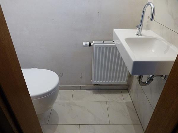 Gaeste-WC-Installationen-2-Okt2014_1571